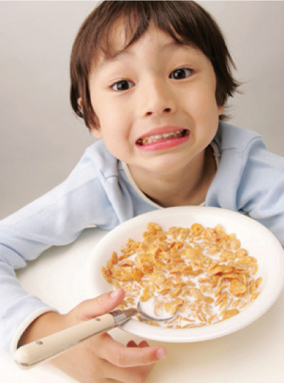 boy-eating-cereals